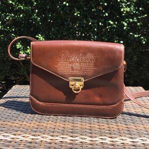 Vintage Daniella Leather crossbody purse 👜